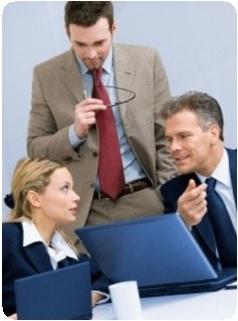 За соблюдением трудового законодательства, к которым можно отнести: трудовые инспекции, судебные органы